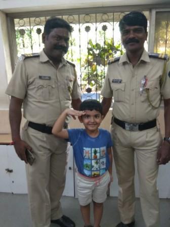 AVM Juhu's, Prep II B child – Saneessh Thakkar celebrated Diwali with the Policemen and the Firemen
